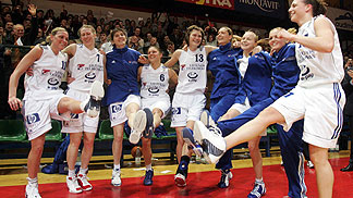 Celebration of Lietuvos after beating Dynamo and reaching the Final 4